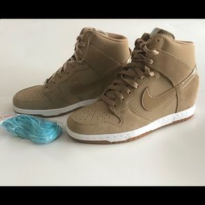 Nike Dunk Sky Hi Essential Casual Women's shoe.